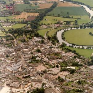 Li14980d Aerial photo of Ross-On-Wye 1988.jpg