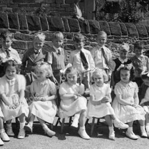 May Queen Parade Grenoside Junior & Infant School Early 1950's 02