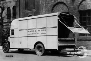 Dustcart No. 26, Merton and Morden Urban District Council
