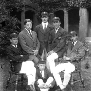 G36-538-08 Hereford Cathedral School coxed four and coach.jpg