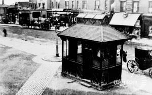 Cabman's shelter outside Wimbledon Town Hall