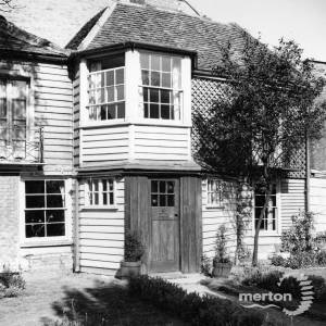 The Lawns, Commonside West, Mitcham