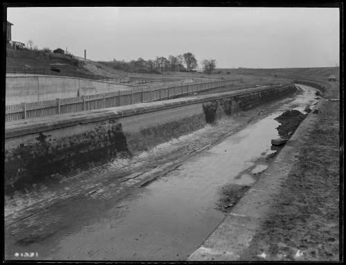 20 foot aqueduct by north east corner of Lockwood Reservoir E17