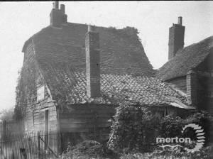 Phipps Bridge Road, Mitcham: Rats Castle, Pickles Corner