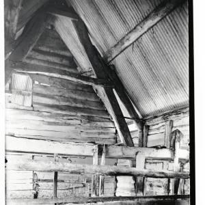 Postwick Farm Barn, Whitborne, Herefordshire, interior, 1934