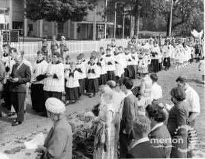 First Communicants Procession, St. Peter & St. Paul Roman Catholic Church, Mitcham