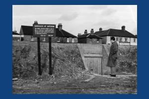 Air raid shelter by  Beehive Bridge, Mitcham