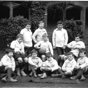 G36-509-15 Hereford Cathedral Prep School football team.jpg