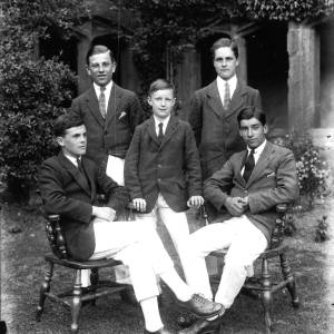 G36-341-04 Hereford Cathedral School rowing four with cox 1921.jpg