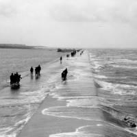 Southport, Marine Drive, high tide