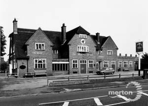 Central Road, The Morden Tavern, Morden