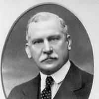 1925: Sir Vincent Litchfield Raven
