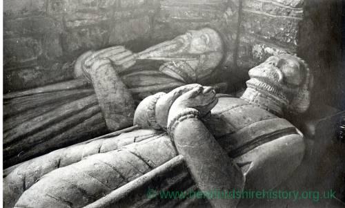 994 Much Dewchurch - Church - Effigies - John & Walter Pye de Mynde.jpg