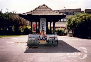 Drewett Memorial Shelter, Fair Green, Mitcham