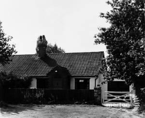 Blue House Cottages, West Barnes Lane: No.4