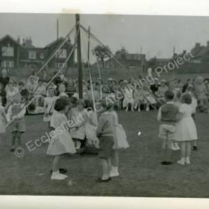 1960's Maypole Country Dancing In School Field (e)