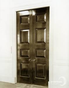 Cannizaro House, Wimbledon: 18th century Mahogany folding doors