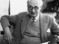 Alderman A H Bailey, former Mitcham Mayor ( 1944-45 )