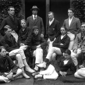 G36-541-08 Hereford Cathedral School cricketers with Dick Shepherd .jpg
