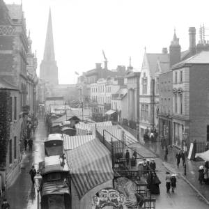 Setting up the May fair in Broad Street, Hereford, c.1900