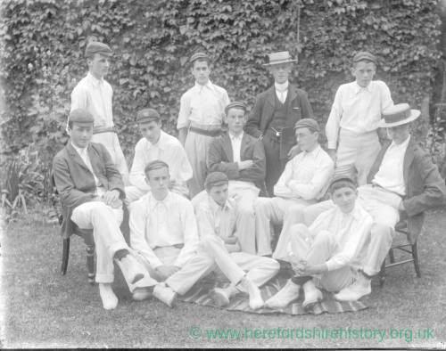 G36-285-13 Hereford Cathedral School cricket eleven.jpg