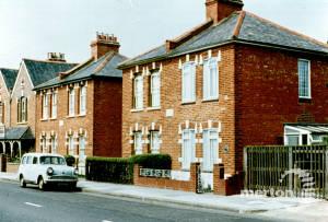 Grand Drive, West Barnes: Bijou Villas