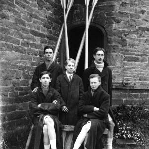 G36-534b-10 Hereford Cathedral School coxed  four  with crossed oars.jpg