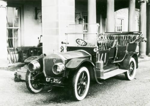 Motor carriage: Napier