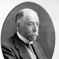 1923: Sir John Dewrance