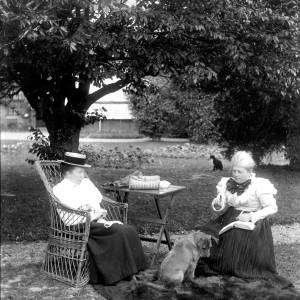 G36-329-01 Two ladies and dog on lawn.jpg