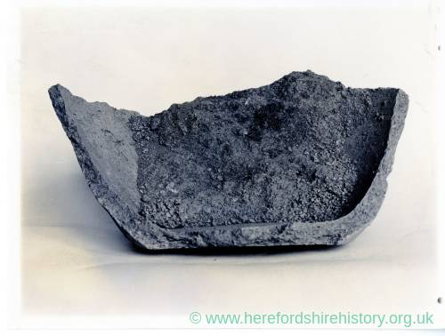 Sutton Walls, Marden, iron age pot