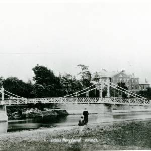Li14156 Herefordshire -  Hereford - Victoria Footbridge over the river Wye-  Picture taken by Mr Alfred Derrick donated by Pat Jenkins nee Derrick.jpg