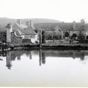 Brinsop Court, Herefordshire, gate posts