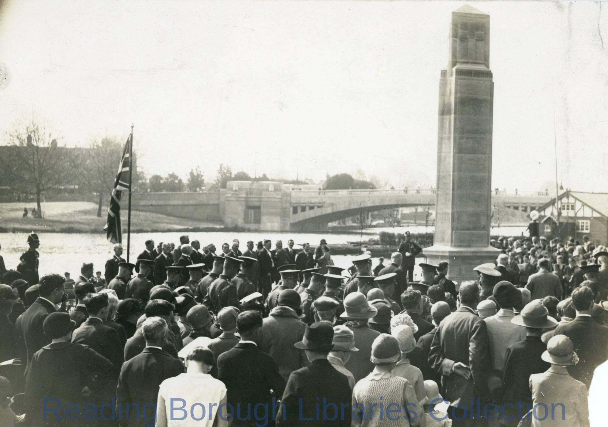The unveiling of Caversham War Memorial in Christchurch Meadows, 5 May 1928.
