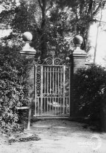 Gateway, Coombe Road, Wimbledon