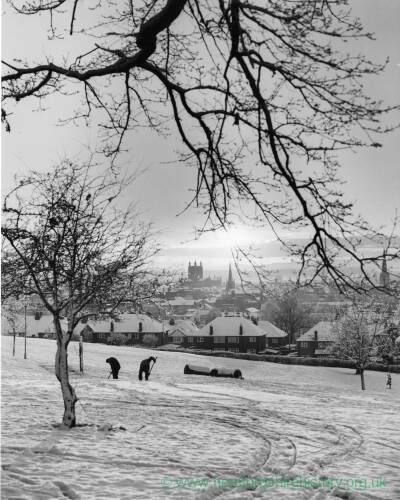 A snowy scene at Churchill Gardens Hereford.