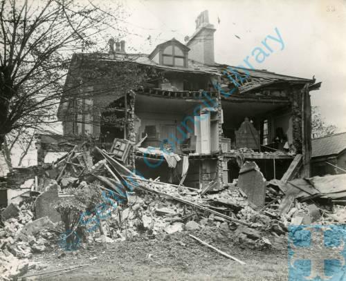 Breeze Hill, bomb damage, Blitz