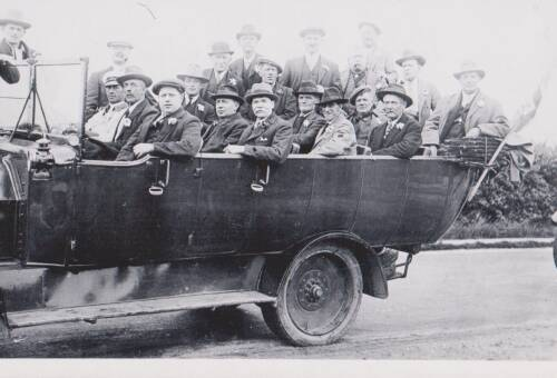 Rowe Bros staff outing, photograph, 1922, Exeter