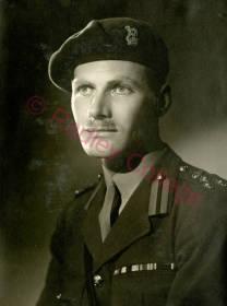 WW2 LoderSymondsRG042