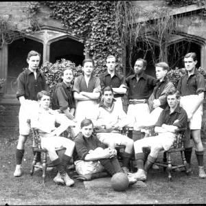 G36-327-16 Hereford Cathedral School football team.jpg