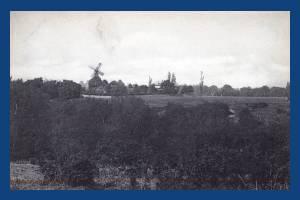 Wimbledon windmill seen from a distance