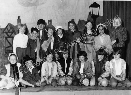 Angram Bank School 's cast members of 'Oliver' in 1974