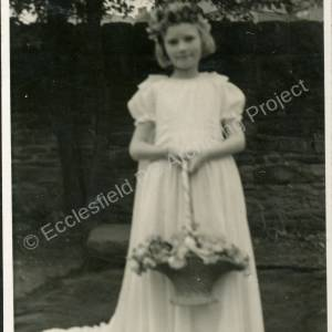 1943. 33rd May Rose Queen Mary Taylor (c)