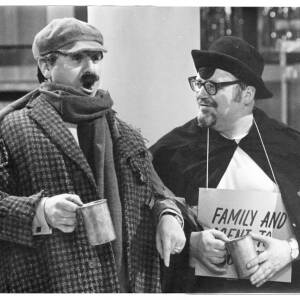 226 - Harry Secombe & Anthony Newley dressed in costumes as beggars