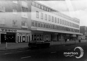 London Road, Mitcham: Tesco Store