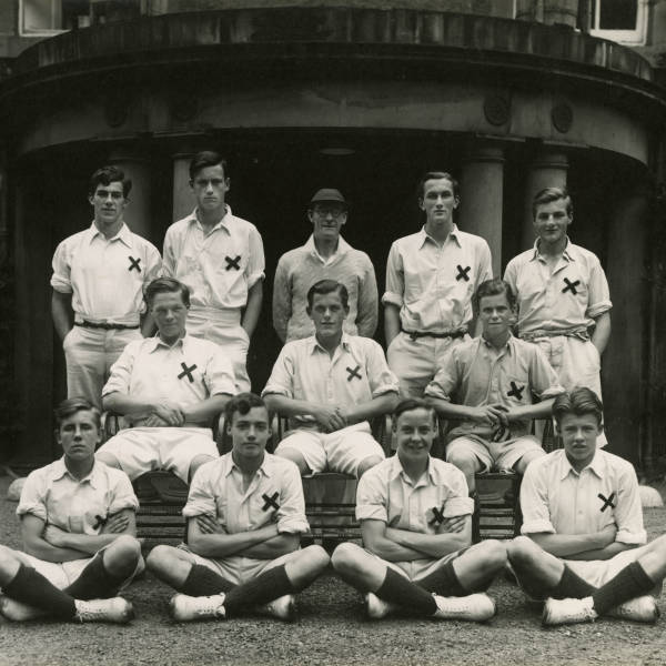 Cricket_1944_Loretto-School-1st-XI.jpg