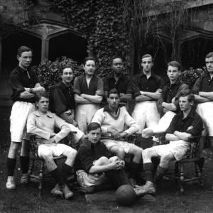 G36-541-07 Hereford Cathedral School football team.jpg