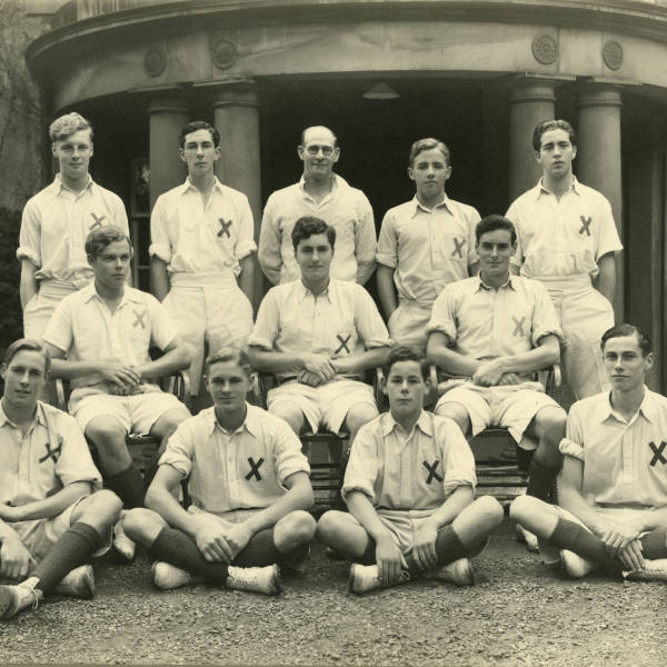 Cricket_1939_Loretto-1st-XI.jpg