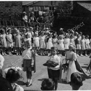 May Queen Parade Grenoside Junior & Infant School Early 1950's 03.