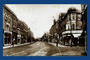 Broadway, Wimbledon:  Victoria Crescent on right